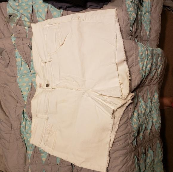 Old Navy Pants - NWOT old navy shorts